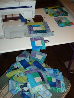 I LOVE using up scraps ('cuz I am NOT moving them to Hawaii!) and the Mile a Minute is a go-to for using up LOTS of scraps from buying way too much fabric left over from other projects! Quilt Block Patterns, Pattern Blocks, Quilt Blocks, Crumb Quilt, Crazy Patchwork, Chapstick Holder, Leftover Fabric, Scrappy Quilts, Quilting Tips