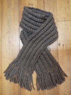 825a4d1ed78 Echarpe en fausse côte anglaise accentuée en Love Wool de Katia avec tuto  Cotes Anglaises