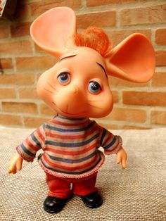 "Topo Gigio...""Kiss Me Goodnight""!"