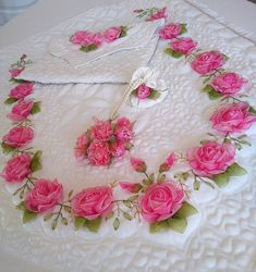 Wonderful Ribbon Embroidery Flowers by Hand Ideas. Enchanting Ribbon Embroidery Flowers by Hand Ideas. Rose Embroidery, Silk Ribbon Embroidery, Embroidery Stitches, Embroidery Patterns, Custom Ribbon, Ribbon Design, Ribbon Work, Band, Flower Crafts