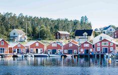 Ah la Scandinavie… son art de vivre en harmonie, ses fjords, sa nature à couper le souffle, ses rennes, son Père-Noël, ses aurores boréales en hiver et son soleil de minuit en été… Quel imaginaire pour les parents et les enfants ! Aujourd'hui, c'est Thomas qui nous raconte son voyage en Suède en famille. L'avantage de la Suède en famille par rapport à la Norvège ? Ce sont aussi les prix, bien moins élevés ! Amoureux de la nature, Thomas a privilégié les grands espaces pendants ces 2 semaines…