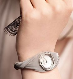 Today, we have a wrist watch style for every occasion and to suit every woman's myriad moods. It is indeed popular and fashionable to have as many to suit ...