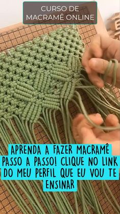 Macrame Bracelet Diy, Macrame Jewelry, Micro Macrame, Jute, Crochet Hats, Sewing, Crafts, Woven Bracelets, Crochet Stitches