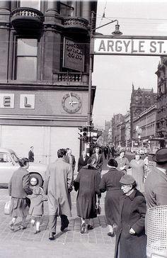 Glasgow, 19 April 1960 by allhails, via Flickr