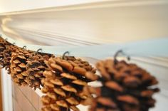 Here's a quick and easy DIY pine cone garland.  Images courtesy of Twig and Thistle http://www.twigandthistle.com/.
