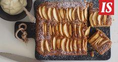 Omenakakku saa astetta paremman maun, kun joukkoon lisätään hitunen ruskistettua voita, Sikke Sumari vinkkaa. Sweet And Salty, French Toast, Muffins, Bacon, Breakfast, Desserts, Recipes, Food, Garden