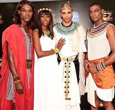 Record Angola estreia dia 1 de Julho a telenovela Os Dez Mandamentos http://angorussia.com/entretenimento/record-angola-estreia-dia-1-de-julho-a-telenovela-os-dez-mandamentos/