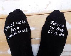 Personalisierte Hochzeit Socken - Vater der Braut - besonderen Spaziergang Socken - Hochzeitsgeschenk - Andenken - Gabe von Braut - personalisierte Bräutigam Socken