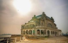Cazino Constanța - este frumos și așa în paragina Mansions, House Styles, Home Decor, Decoration Home, Manor Houses, Room Decor, Villas, Mansion, Home Interior Design