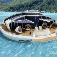 Solar-powered floating home!
