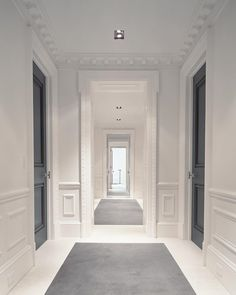 From flush modern moldings to classic ornate casings, discover the top 50 best interior door trim ideas. Explore unique mill work designs for your home. Architecture Classique, Interior Architecture, Classic Interior, Best Interior, Interior Door Trim, White Interior Doors, Grey Doors, Black Doors, Door Trims