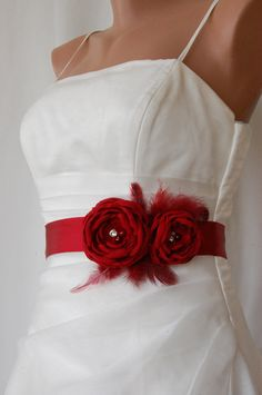 Cute flower belt if you wanted to do white dresses with colorful accents. Could probably be done with or without feathers. but with sleeves added Red Wedding Flowers, Red Flowers, Fabric Flowers, Bridal Sash Belt, Wedding Dress Sash, Diy Clothes Tops, Flower Belt, Sash Belts, Old Hollywood Glamour