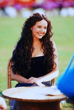 Sarah Brightman, I just want her hair from this pic. Sarah Brightman, Beautiful Voice, Most Beautiful, Musical Theatre, Her Hair, Amazing Women, The Voice, Curly Hair Styles, Wonder Woman