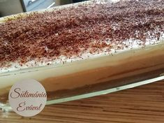 Csíkos kekszes, egyszerű finomság sütés nélkül! - Egyszerű Gyors Receptek Pudding, Desserts, Food, Caramel, Tailgate Desserts, Deserts, Custard Pudding, Essen, Puddings