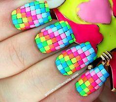 Techno neon rainbow nail art mosaic by @polishallthenails.