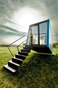 // Hypercube Micro Hotel//  WG3 www.wg3.at