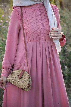 Stylish Dresses For Girls, Stylish Dress Designs, Casual Dresses, Abaya Designs, Kurti Designs Party Wear, Frock Fashion, Abaya Fashion, Hijab Style Dress, Muslim Women Fashion