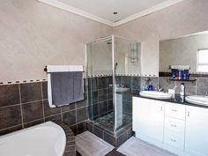 4 Bedroom House For Sale in Farrarmere 4 Bedroom House, Kingston, Corner Bathtub, Home And Family, Real Estate, Real Estates, Corner Tub