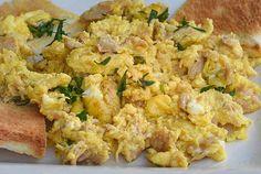 oeufs brouillés au Thon WW, recette d'un plat des oeufs brouillés onctueux et parfaitement cuits, rapide à préparer, à serve en entrée ou en plat principal.