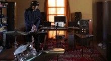 A short documentary about the recording of the Gotye album Making Mirrors.