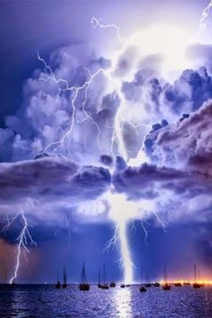 Incredible Lightning mother nature moments