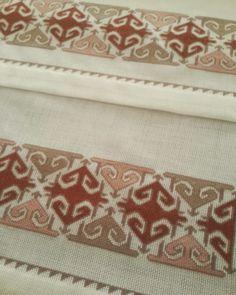 Fotoğraf açıklaması yok. Crewel Embroidery, Embroidery Designs, Bargello, Cross Stitch Designs, Cross Stitching, Needlework, Diy And Crafts, Projects To Try, Pattern
