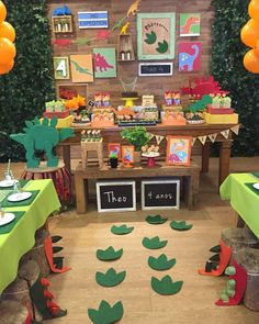 Birthday Party At Home, Outdoor Birthday, Birthday Diy, Birthday Party Themes, Dinasour Birthday, Dinosaur First Birthday, Boy First Birthday, Festa Jurassic Park, Dinosaur Party Favors