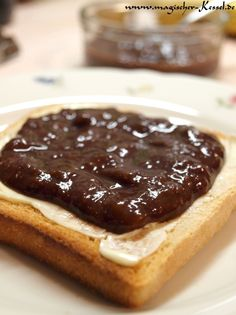 Quick and easy to make vegan Chocolate-Banana-Spread