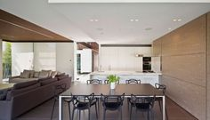 Z House Bellevue Hill by Bruce Stafford Architects 4 Kitchen Lighting Design, Modern Kitchen Design, Lofts, Interior Design Inspiration, Home Interior Design, Design Ideas, Kitchen Dinning Room, Dining Area, Space Kitchen
