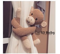Macaco crochê - segura cortina