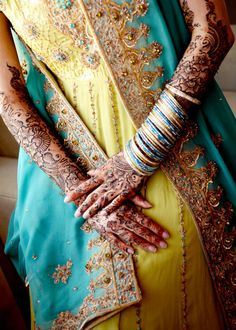 Teal and yellow Indian outfit with matching bangles and detailed henna. Indian Suits, Indian Wear, Pakistani Bridal Wear, South Asian Wedding, Mellow Yellow, Teal Yellow, Blue, Bollywood Fashion, Indian Beauty