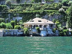 Villa Leonardo - Luxurious lakefront living in an exquisite setting! Holiday Lettings, Italian Lakes, Italy Travel, Italy Trip, Lake Como, Luxury Villa, Places To Go, Mansions, House Styles