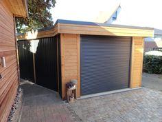 Carport als Garage umgebaut.