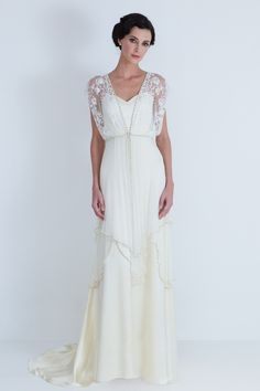 This would make an incredible Mother's evening/wedding gown. Maybe in a different color.