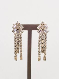 1950s Art Deco Style Rhinestone Dangle Earrings / 50s Does 20s Screw Back Clips Clear Glass Drop Earrings / Gilda by RareJuleVintage on Etsy 20s Fashion, Art Deco Fashion, 1950s Art, Diamond Shapes, Vintage Black, Hippie Boho, Clear Glass, Dangle Earrings, 20s Style