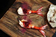 Puffed kangaroo tendon with Australian pepper Red prawn and Davidson plum by Jock Zonfrillo at #epicurea2016, 14-15 June #hautecuisine #bulgarihotelmilano