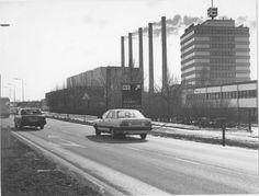De Europaweg in 1986 met rechts het Eurocentrum en de Hunzecentrale. - Foto's SERC
