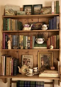 Home Decor Entryway Assorted items could be interspersed miniature bookcase to reduce number of book. Decor Entryway Assorted items could be interspersed miniature bookcase to reduce number of book. Cottage In The Woods, Aesthetic Room Decor, My New Room, My Dream Home, Sweet Home, Decoration, Home Decor, Decor Room, Art Decor