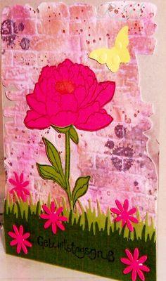 """StampinUp Stempel auf geprägtem Hintergrund. Die Prägeform """"Mauer"""" ist von Tim Holtz"""