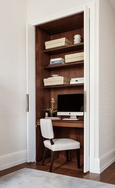 A contemporary apartment in Madison Square Park. Study nook with pocket doors Contemporary Bedroom Decor, Contemporary Cottage, Contemporary Apartment, Contemporary Office, Contemporary Interior, Contemporary Wallpaper, Contemporary Chandelier, Contemporary Architecture, Architecture Design