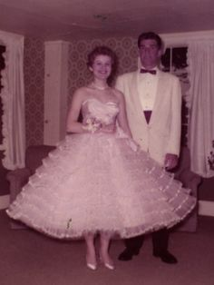 Betsey Johnson at prom.  So much love!