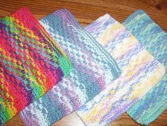Knitting Patterns Dishcloth The 'Infamous' Darrell Waltrip Cloth. An easy pattern that is great for multi-coloured yarn. Knitted Washcloth Patterns, Knitted Washcloths, Dishcloth Knitting Patterns, Crochet Dishcloths, Knit Or Crochet, Loom Knitting, Knitting Stitches, Knit Patterns, Stitch Patterns