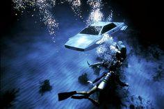 Aston Martin DB5, BMW Z8, Lotus Esprit: 10 Coolest James Bond Cars (Photos)