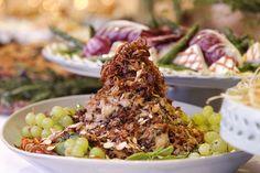 salada de bacalhau, lentinhas, tomate cereja. azeitonas e amêndoas