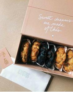 Biscuits Packaging, Baking Packaging, Dessert Packaging, Food Packaging Design, Packaging Ideas, Restaurant Menu Design, Baking Business, Bakery Logo, Cafe Food
