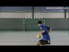 Coordination training with a handball (3)