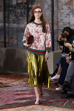 Gucci, wall paper, french mistress, snob I kicked out of my life all those years ago returns.  Sill buying her fashion from the Ladin Showroom.... Gucci Resort 2016 New York - NOWFASHION