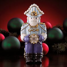 LENOX Figurines: Christmas - Nutcracker with Snowflake Figurine