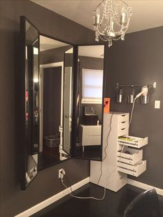 Home based beauty salon ideas simple beauty salon decor ideas for best images about on in . home based beauty salon Vanity Room, Diy Vanity, Corner Vanity, Mirror Room, Vanity Mirrors, Dresser Mirror, Wall Mirrors, Floor Mirror, Home Salon