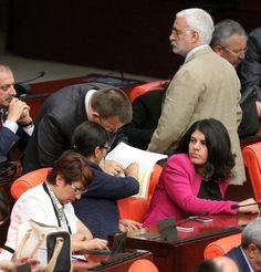 Sie will AKP-Präsident Erdogan loswerden: Die kurdische Oppositionspartei HDP. (Foto: dpa)
